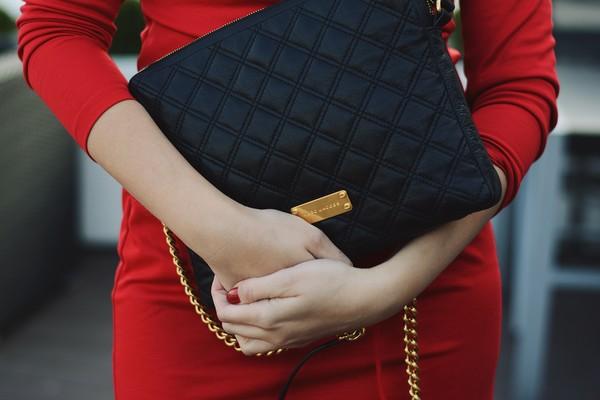 7e6d223837 Czerwona sukienka zamiast małej czarnej - musisz ją mieć!
