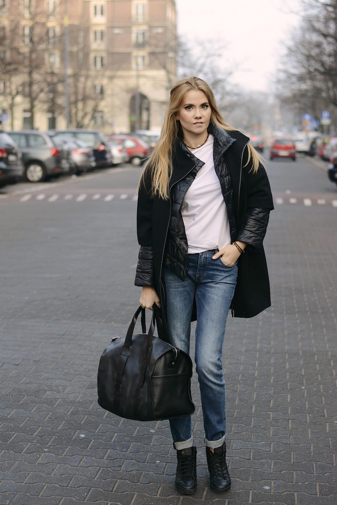 05c2fd542f671 duża torba/leather bag – Cholewiński spodnie/pants – Victoria Beckham  bransoletki/bracelets – Oxmo okulary/sunnies – Rayban mała torebka/ small  bag ...